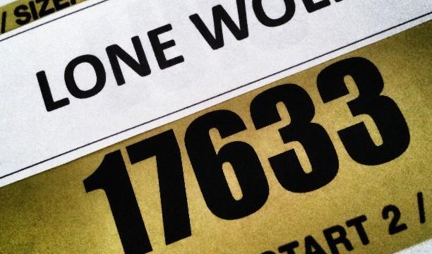 Dorsal Maraton Lone Wolf Competicion Entrenar Competir